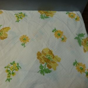Yellow gold floral queen fitted sheet 80s